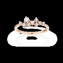 Petite Beato Ring