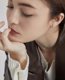 [시즌오프] [화제의 TV 속 ITEM] Lucerna 귀걸이 (14K) (JJLCEQ9AF051R4000)