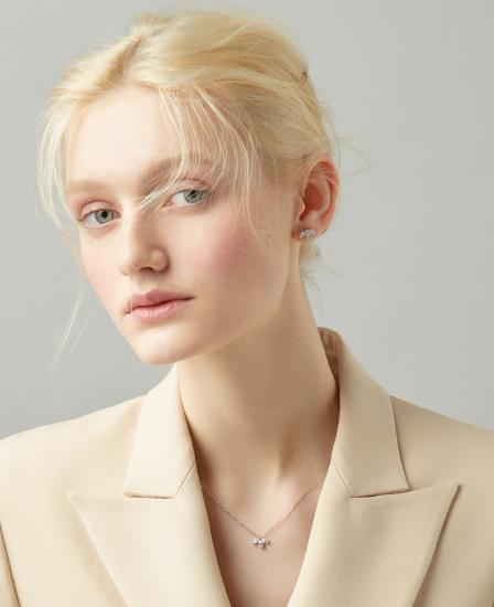 [CONTE] Pear Petal Earring (JJCEEQ0BS906SW000)