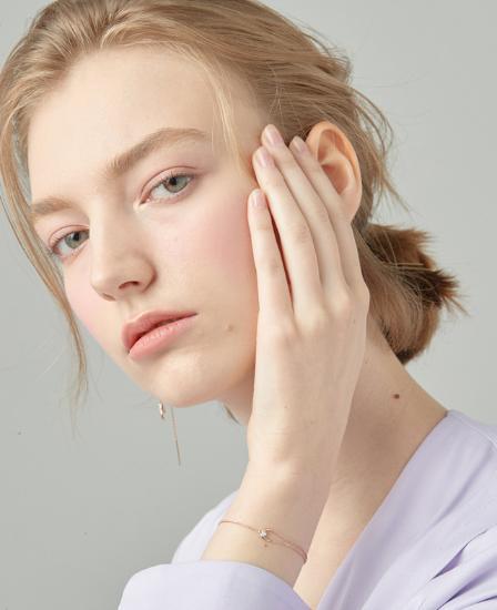 [CONTE] Modern Baguette Bracelet (JJCEBQ0BS947SR7S0)