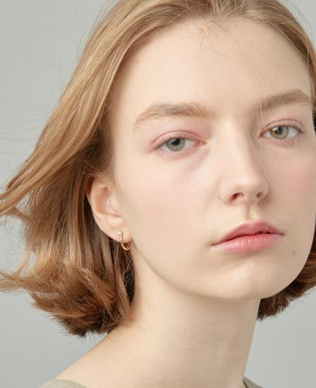 [CONTE] Basic Pearl Hoop Earring (JJCEEI0BS950SR000)
