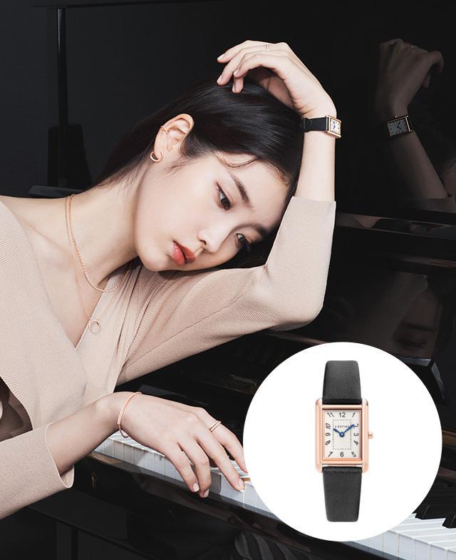 [아이유PICK] Nuovo Tempo 가죽 시계 (JWT1LE0BF214RGBK0)